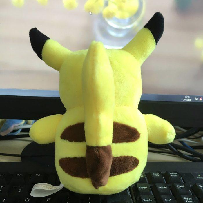 16 cm-es plüss Pikachu pokémon hátulról