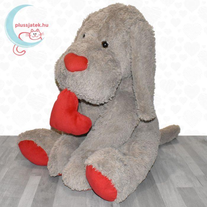 Hatalmas, 80 cm-es szerelmes plüss kutya balról