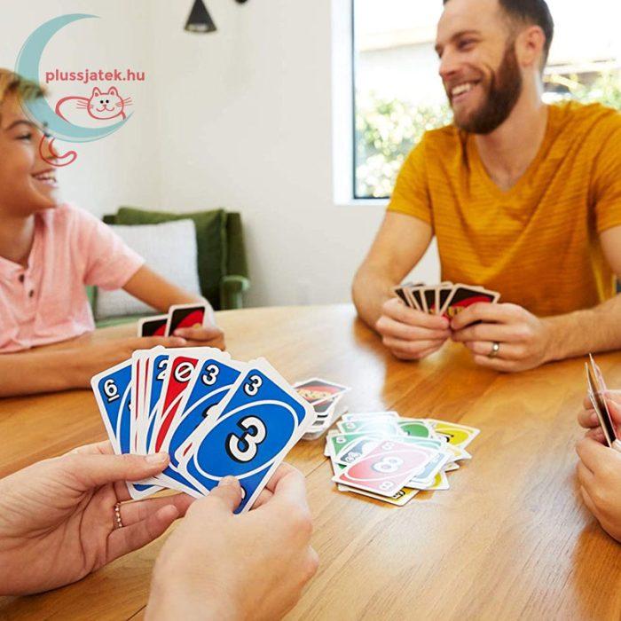 UNO kártya (Mattel), játék közben