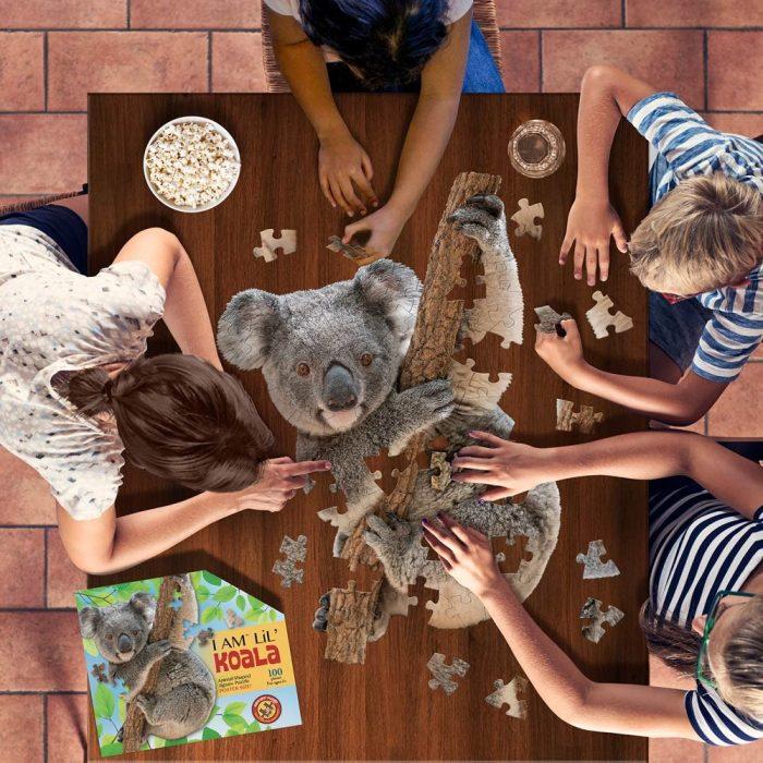 Wow poszter méretű forma puzzle - Koala, 100 db, játék közben