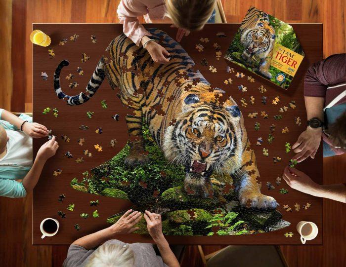 Wow poszter méretű forma puzzle - Tigris, 1000 db, játék közben