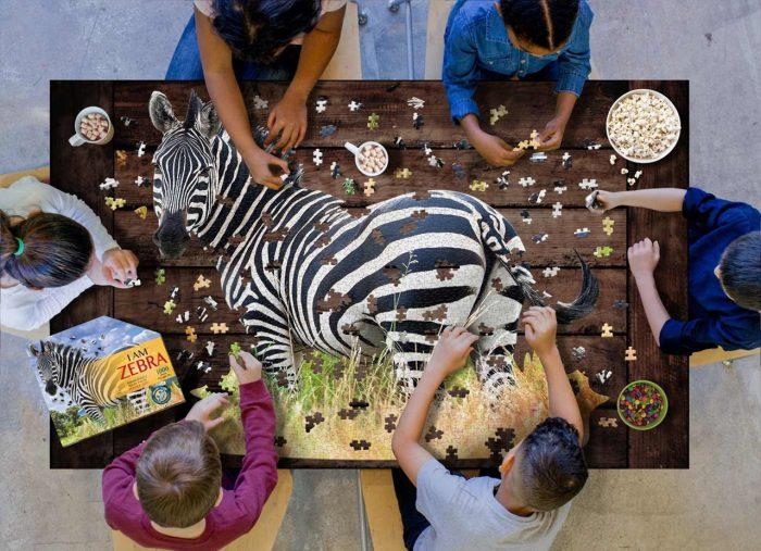Wow poszter méretű forma puzzle - Zebra, 1000 db, játék közben