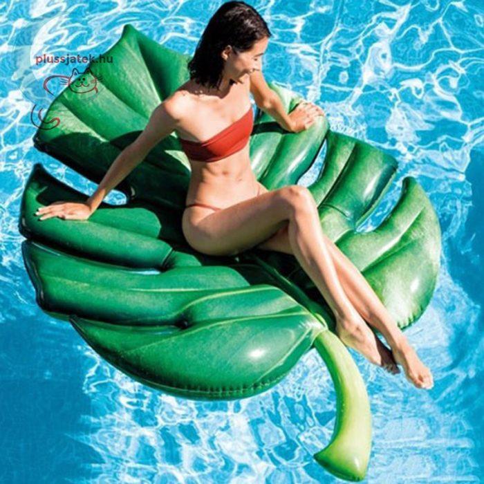 Intex pálmalevél alakú felfújható matrac (206x132 cm) [58782 Palm Leaf], használat közben