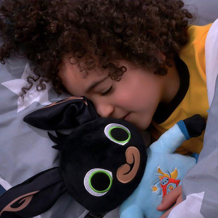 Pizsamás Bing plüss nyuszi világító, zenélő Owly bagollyal, a legkedvencebb kedvenc