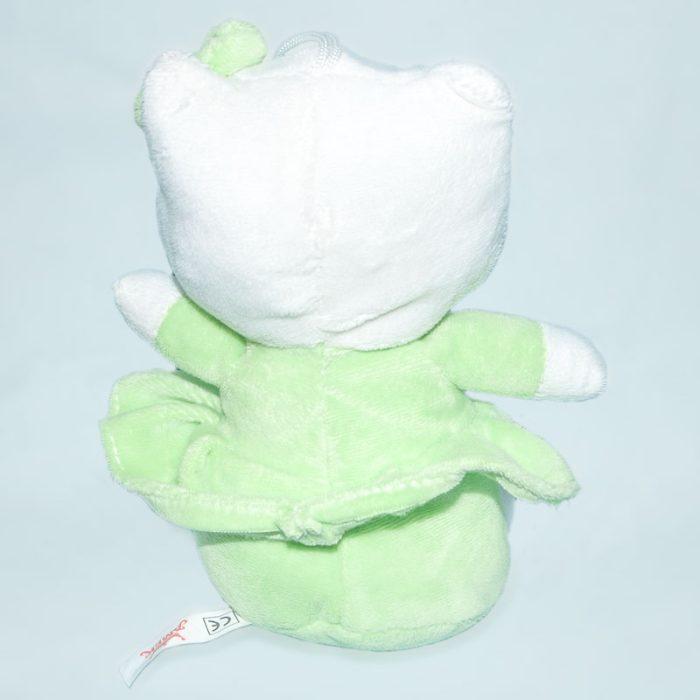 Hello Kitty zöld ruhácskában hátulról