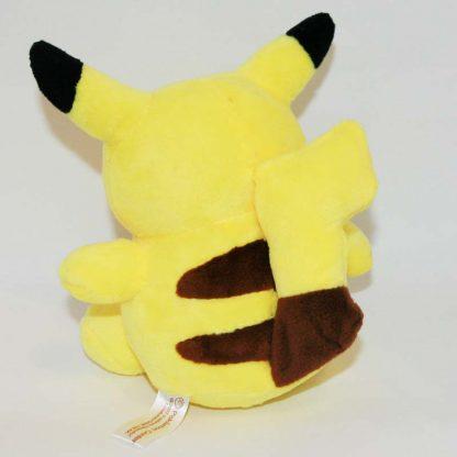 Pikachu pokémon plüss hátulról