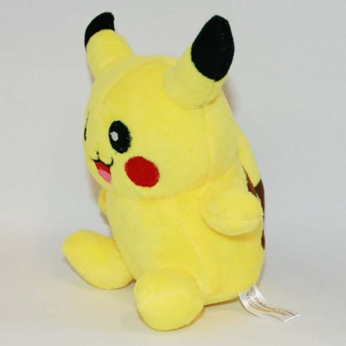 Pikachu pokémon plüss oldalról